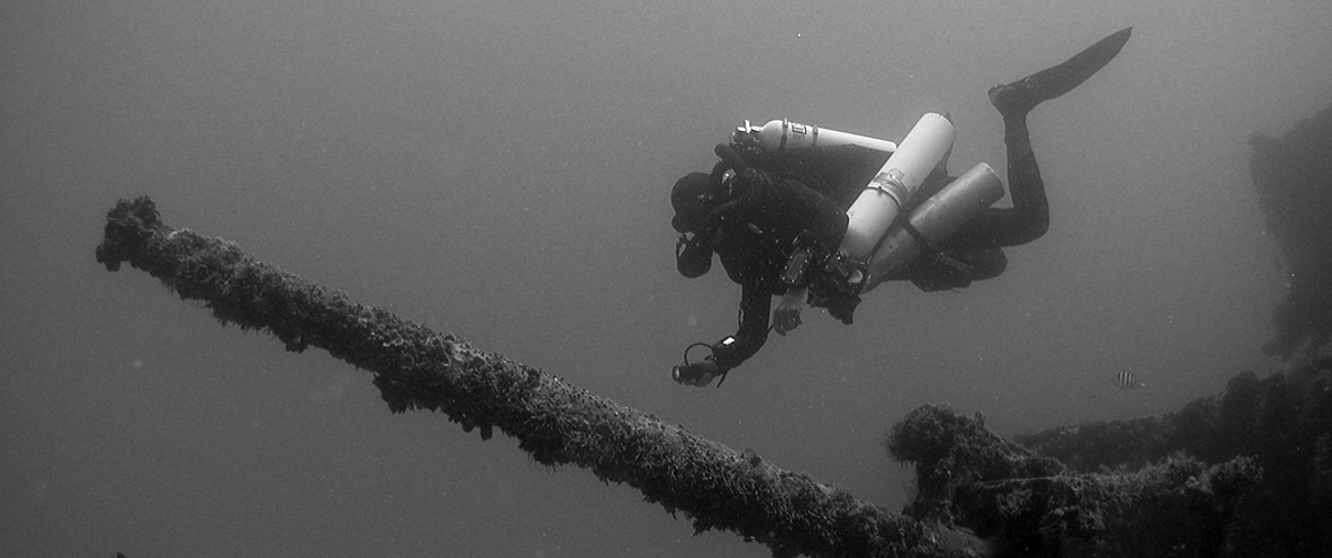 ccr rebreather wreck diver in mexico