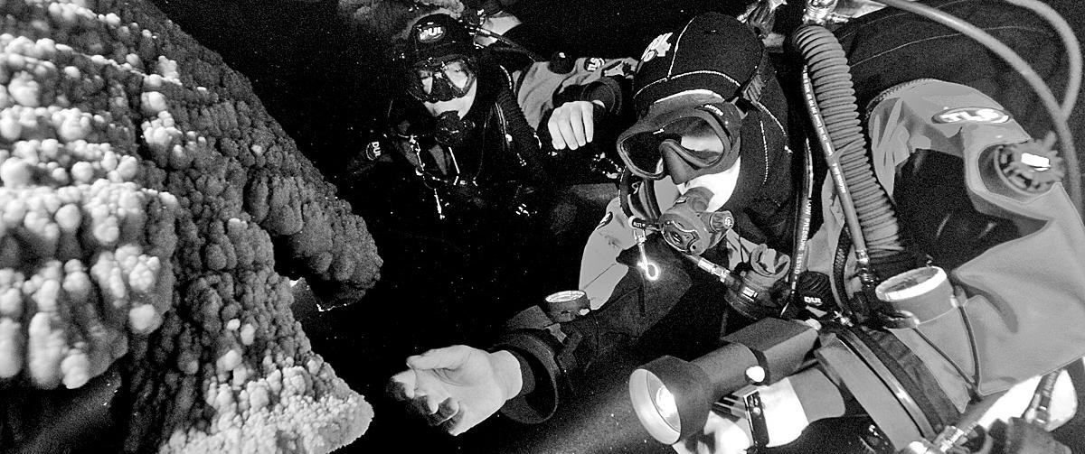 technical cave divers mexico